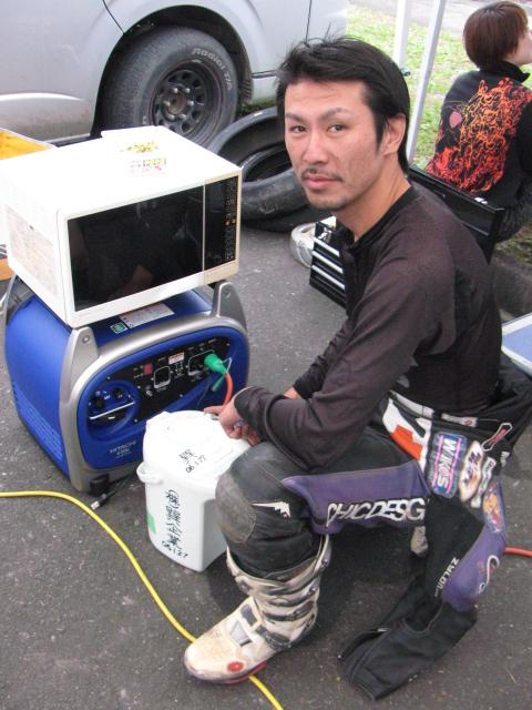http://img.blogs.yahoo.co.jp/ybi/1/13/f5/tetsutaro499/folder/420377/img_420377_44994071_5?1225592279